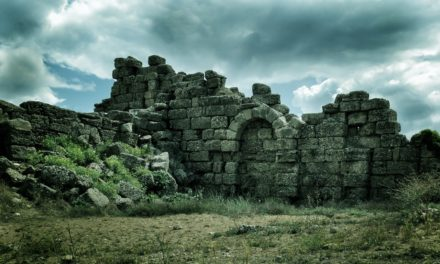 Image illustrant l'article ruin-1050654_1280 de Les Clionautes