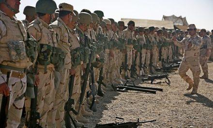 Image illustrant l'article 1024px-Peshmerga_soldiers_prepare_to_conduct_a_combined_arms_live-fire_exercise_near_Erbil,_Iraq de Les Clionautes