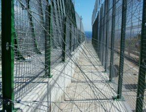 Les barrières frontalières comme dispositifs anti-migrants