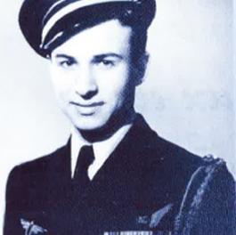 Image illustrant l'article A. Hautot uniforme de Les Clionautes