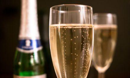 Image illustrant l'article wine-glass-drink-bottle-beer-alcohol-834570-pxhere.com de Les Clionautes