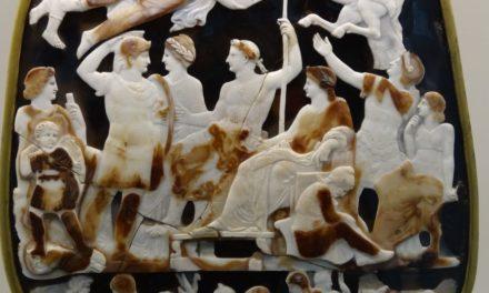 Image illustrant l'article 1200px-Louvre-Lens_-_L'Europe_de_Rubens_-_026_-_Le_Grand_Camée_de_France_(Gemma_Tiberiana),_«_L'Apothéose_de_Germanicus_» de Les Clionautes